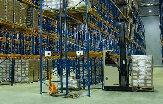Контроль температуры и влажности на складе.