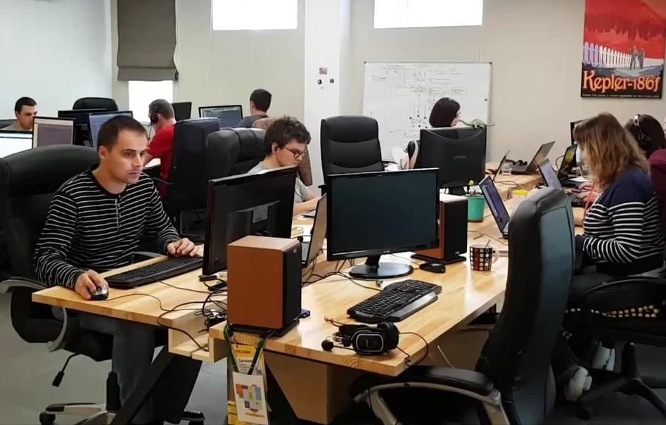 Cколько квадратных метров приходится на каждого человека в офисе