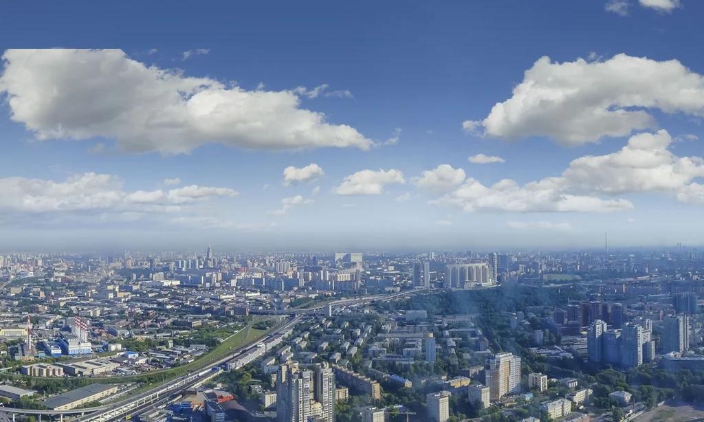 """Вид из окна квартиры в """"Москва-Сити""""."""