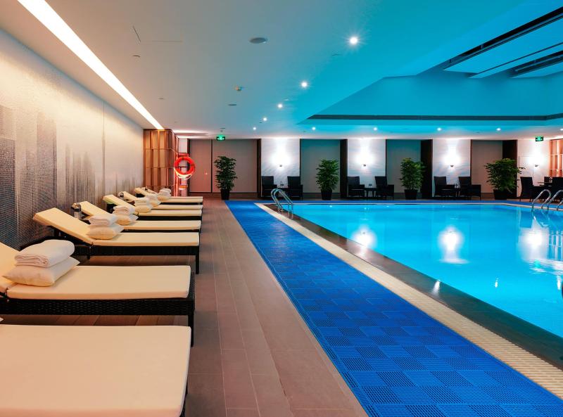 Элитная квартира в Москве с фитнес залом и бассейном